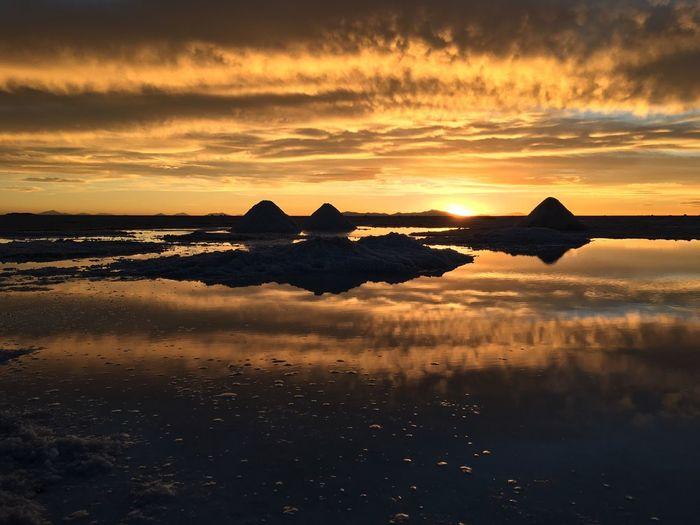 Salar de Uyuni Sunset Nature Salt Water Reflection Water Reflections On A Holiday Travel IPhoneography Bolivia Traveling Outdoors Uyuni