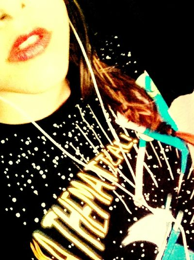 *---*' Red Lips