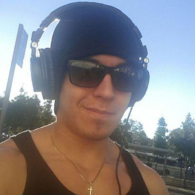 Morning selfie Cold Work Waiting Sunlight Gainz Busstop Ath -m50 Audio Instrangertimes