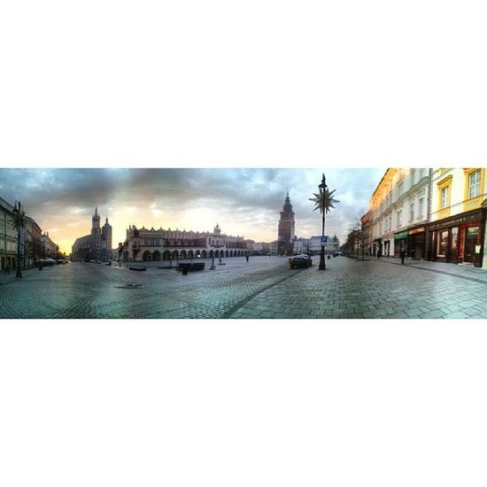 When you arrive before time. Its the first day of class and surprisingly I was up early and not feeling tired at all. This is a Panorama of the main market square of Krakow at 7 45 am. If going by the weather predictions today is also going to be another lovely day. I think these sunny winter days are awesome. Krakow Cracow instakrakow rynek polska instapoland peaceful piękne beautiful love somanyhashtags dziendobry morning hdr wideangle cracovia wearenottourists photooftheday europefun lovethis square