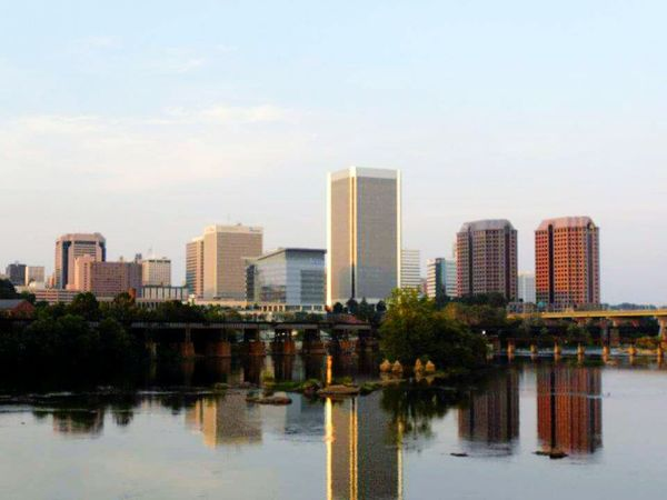 Taking Photos Richmond, VA Skyline Cityscapes Water Reflections