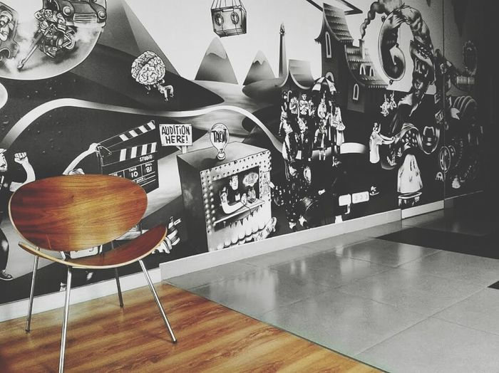 EMPTY ROOM Lounge Wallpaper Graffiti Composition