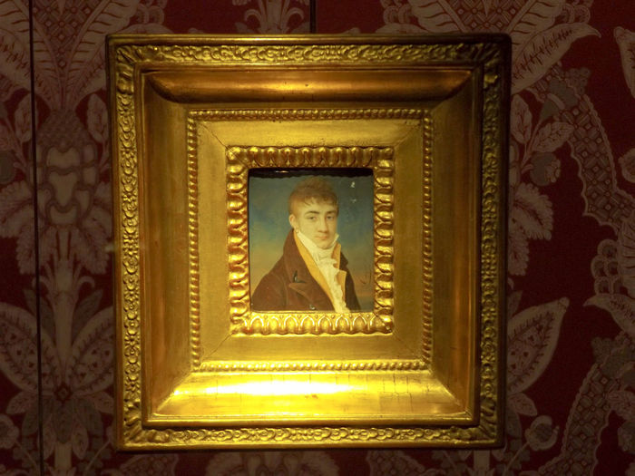 Prelude to portrait photography. Miniature Portrait Lifestyles Portrait Portrait Of A Man  Decorative Art 18th Century Carving - Craft Product Close-up Decoration Design Directly Below Illuminated Low Angle View Ornate Pattern Work In Progress Wiki Loves Art Culture History