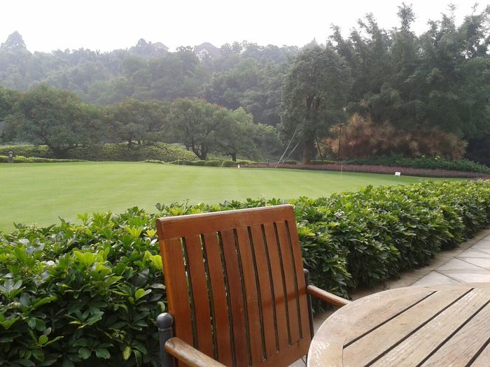 漂亮幽静的高尔夫球场。By Shirley.