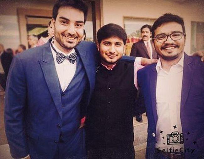Candid shot! BrotherKiShadi Suitup Jammu Friends PuneriByHeart Happyfaceseverywhere Kashmirifood Kashmirimarriage
