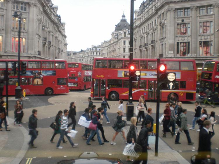 London Lifestyle LONDON❤ Street Travel Destinations London Streets City Life City Street Outdoors Large Group Of People Transportation London Bus London Buses Bus Red Bus🚌 Red Bus Red