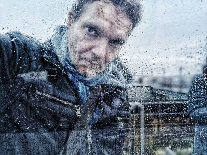 Autoportrait Mobilephotography Smartphonephotography Selfportrait Around The World Selfie ✌ Selfie ♥ Selfie Portrait Water Portrait Smiling Looking At Camera Happiness Wet Front View Drop Human Face Headshot Rainy Season RainDrop Looking Through Window Weather