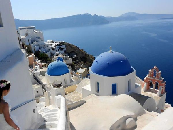 Santorin . Architecture Religion White Color Dome Travel Destinations Place Of Worship Mountain No People Scenics Cultures Day City Water Outdoors Roof Whitewashed Green Color Blue Color Bleulagoon Santorinivolcano Grecee Grèce, Greece, Santorini Greece Trip Photo Nikonphotographers