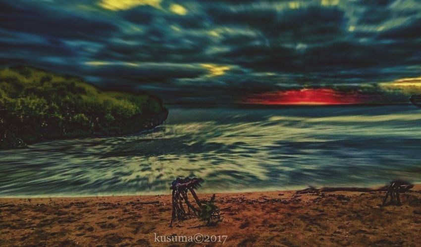 krakal beach 🏝️ Landscape EyeEm Landscape Dark EyeEm Best Shots EyeEm Nature Lover Eyeemsky Fullcolor KrakalBeach Krakal Beach Sea Nature Water Sunset Outdoors Beauty In Nature Sky Night Horizon Over Water Wave
