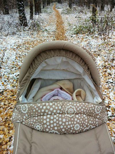 С дочуркой на прогулке