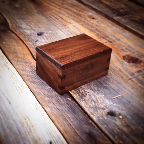 My name is Ben. I am a woodworker in Orange CA and I make photography boxes for wedding photographers. This is one of my designs.....a USB box with mitered and splined corners for a durable decorative look. Photography Wedding Photography Handmade Etsy Photobox