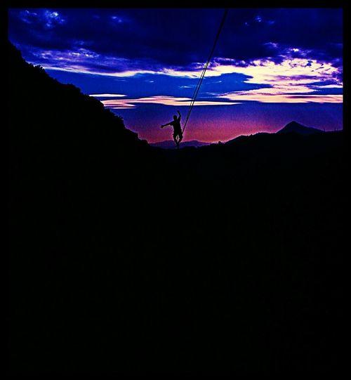 Slackline, Joaquin, Highline, Longline, Sunset Slackline Joaquin Highline Longline Sunset Equilibrio Slacklife Slackvida Enjoying Life Relaxing Tricks Caminarequilibrio En El Aire Caminata Exposicion Santiago Slaker Aura Bosque Magico Sunset Atardecer Landscape Sun Ejercicio Relax