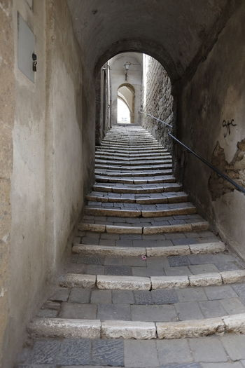 Architecture Staircase Built Structure The Way Forward Direction Arch Building Steps And Staircases The Past History Indoors  No People Old Empty Day Arcade Entrance Corridor Wall - Building Feature Diminishing Perspective Light At The End Of The Tunnel