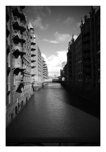 First Eyeem Photo Eye4black&white  Eyem City Shots Eyem Hamburg Eyemphotography Eyem Best Shot - Architecture