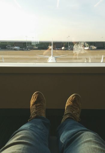 Putting the Feet up in Brussels ... Airport Traveling Transfer Airplanes Travel Sneakers аэропорт кеды
