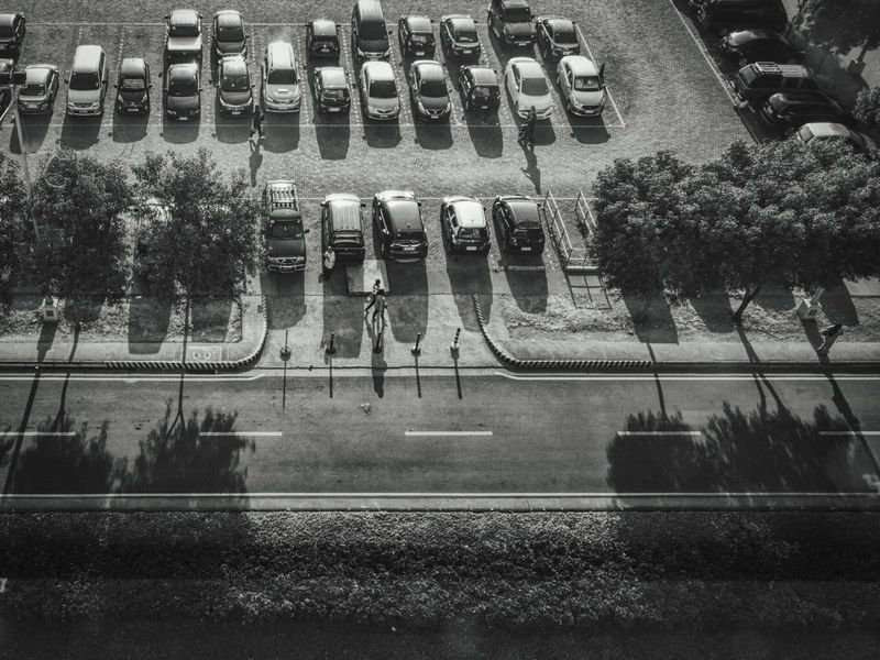 Park Viewing High Angle View Parking Parklife Cars Ride Drive Working Day Outdoors Modern Life Businesspeople Shadows Morning Walk