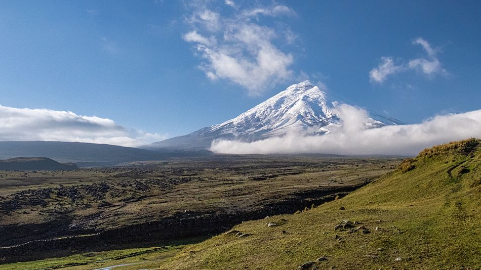 Cotopaxi is the most stunning volcano I've seen. It's the first experience I thought of on international mountain day. #cotopaxi #ecuador 🇪🇨 #InternationalMountainDay #MountainsMatter Mountain Scenics - Nature Beauty In Nature Landscape Sky Tranquil Scene Environment Mountain Range Nature Snow Non-urban Scene Snowcapped Mountain No People Cloud - Sky Cold Temperature Idyllic Tranquility Land Day Winter