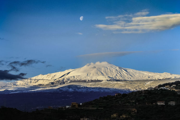 Mountain Sky Scenics - Nature Cloud - Sky Beauty In Nature Volcano Tranquil Scene Tranquility Snow Landscape Nature Environment Snowcapped Mountain No People Winter Cold Temperature Physical Geography Mountain Peak Travel Destinations Non-urban Scene Outdoors Mountain Range Volcanic Crater Power In Nature