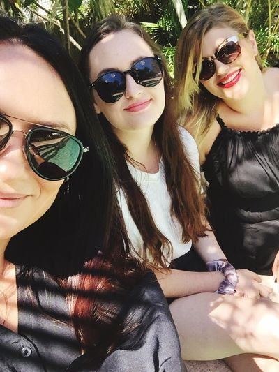Sunglasses Threemusketeers Family Girls Friends Get Together