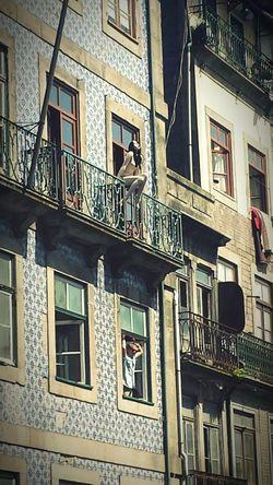 Porto Balcon Azuelos Streetphotography Amazing Beauty Femme Under The Sun Portugal Glamour
