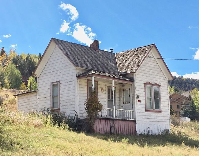 Old Miner's Architecture Built Structure Building Exterior House Grass Residential Structure Window Blue Sky Cloud - Sky Day Mining Town Miningtown Mining History Of America Outdoors Bad Condition Rural Scene Obsolete Façade No People Country House