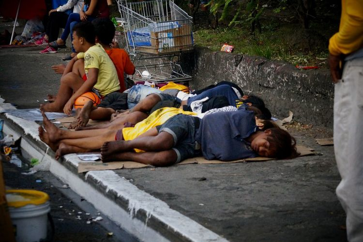 Young Men Sufferingforthegood Adapted To The City Poor Children Homeless Awareness Homeless Kid EyeEm Phillipines EyeEm Manila Eyeem Philippines Manila Phillipines Streetphotography Hunger For Love Sleeping Boy Sleepinginthestreet Nofamily Noparents Abandoned Uneducated Helpless Kid Streetlife Hopeless Hopelessness Sacrificing Unhappiness Loneliness EyeEmNewHere Stories From The City The Street Photographer - 2018 EyeEm Awards The Photojournalist - 2018 EyeEm Awards