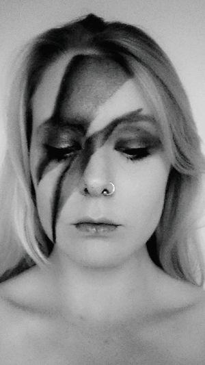 Davidbowie Bowie Aladdinsane Ziggystardust Themanwhofelltoearth Inlovingmemory