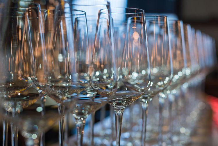 glass of vin Glass Food And Drink Drink Refreshment Alcohol In A Row Glass - Material Transparent Wineglass Drinking Glass Household Equipment Bar - Drink Establishment Indoors  Still Life Table No People Selective Focus Large Group Of Objects Focus On Foreground Close-up Bar Counter