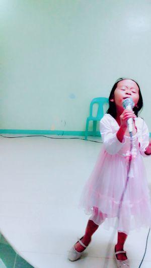 Sings Singer