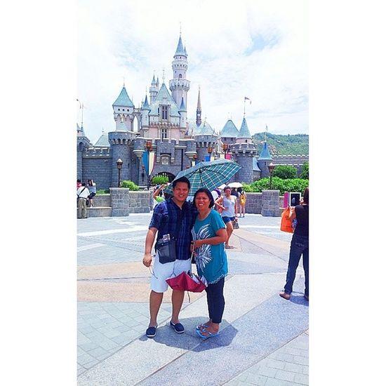 Disney Castle with Mama HK Disneyland Discoverhongkong Travel Explorehk Travelasia hongkong hk hktourism hongkongtourism discoverasia discoverhk samsung samsungphotography phonephotography s2 travelandleisure leisure fun wanderlust disneylandhk castle disneyhk