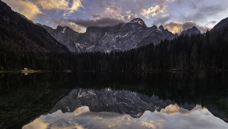 Reflection Mountain Water Sky Cloud - Sky Beauty In Nature Scenics - Nature Lake Tranquility Tranquil Scene Mountain Range Nature Waterfront Tree Idyllic Non-urban Scene No People Plant Rock Reflection Lake Formation Mountain Peak