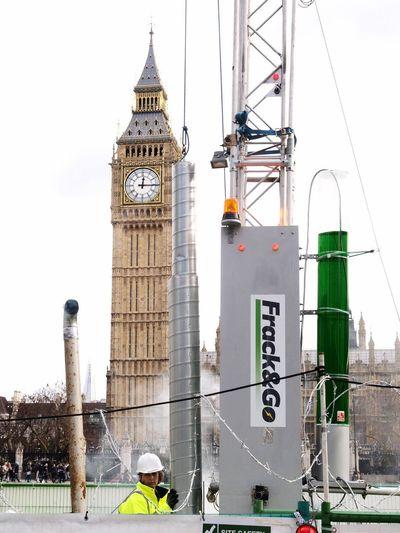 Green Peace fracking protest, Parliament Green, London, U.K. 09-02-2016 Parliament Olympus Zuiko Green Peace Parliament Green Protesters Fracking Protest Stevesevilempire London Greenpeace Environment Steve Merrick Uk