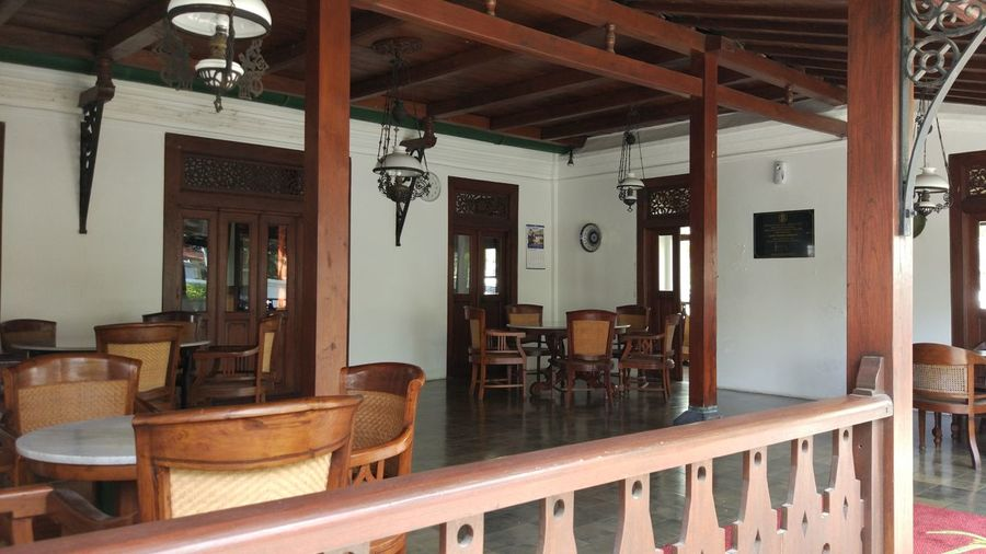 Heritage Office Absence Architecture Bar - Drink Establishment Built Structure Ceiling Chair Domestic Room Empty Entrance Furniture Home Home Interior Home Showcase Interior Indoors  Lighting Equipment Luxury No People Restaurant Seat Table Wood - Material