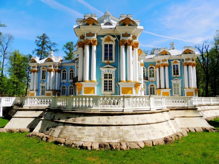 Catherine palace during sunny day