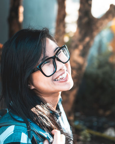 Her smile Asian  Asian Girl Portrait Beautiful Woman Smiling Eyeglasses  Happiness Young Women Headshot Beauty Women Cheerful Red Lipstick Lipstick Lip Gloss Make-up Mascara Blush - Make-up Exploring Fun
