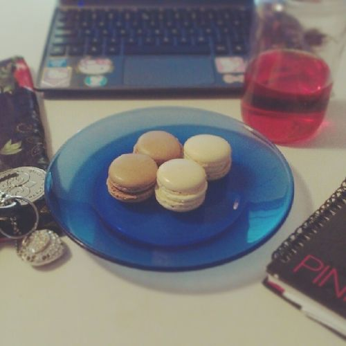 I enjoyed a few Chocolate and Vanilla Macaroons while I finished up a project. Frenchmacaroons
