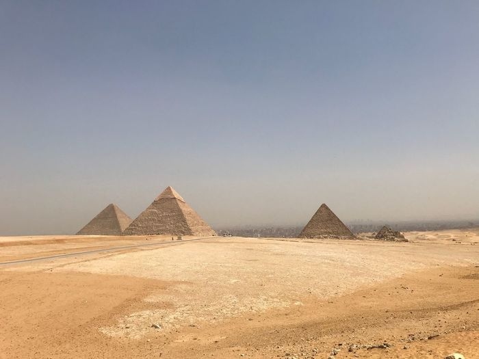 Giza, Caïro, Egypt EyeEm Selects Pyramid Triangle Shape Ancient Desert Architecture History Ancient Civilization Old Ruin The Past