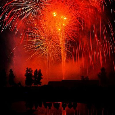 Sky In Flames! 4thofjuly Igersusa Ig_allstars Mytravelgram Fireworks Igworldclub Iphoneonly Vt Iphonesia Insta_america Vermont 802 Miltonvt Igharjit Instamood Igersvt Bestoftheday Independenceday Shotaward Igvermont Hot_shotz World_shotz Instagood Igfotogram July4th Ig_northamerica Igersoftheday Mogcomm