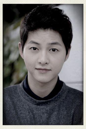 "Meet my new one""Song Jong Ki""..."