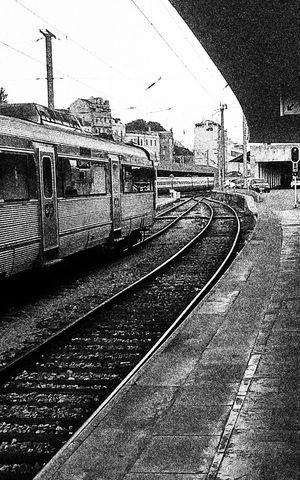 Portugal Lisbon Lisboa Comboio Estação Ferroviária De Santa Apolónia Train Train Station Santa Apolonia Learn & Shoot: Simplicity Black And White Urban