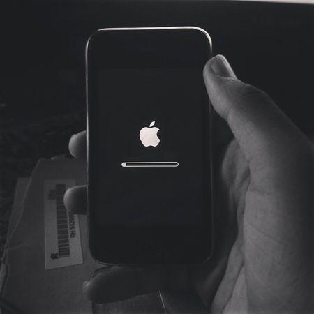 Vintage ,IPhone ,3GS ,Softwareupdate ,IOS6 .1.6,Blackandwhite .