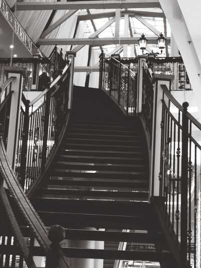 Stairs Your Art Is Portable With Caseable iPhone 4S Vanishing Point Stairways