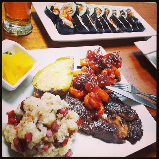 오늘의 저녁식사스테이크 김밥 고구마 떡꼬치 볶음밥맥주105kgonelove