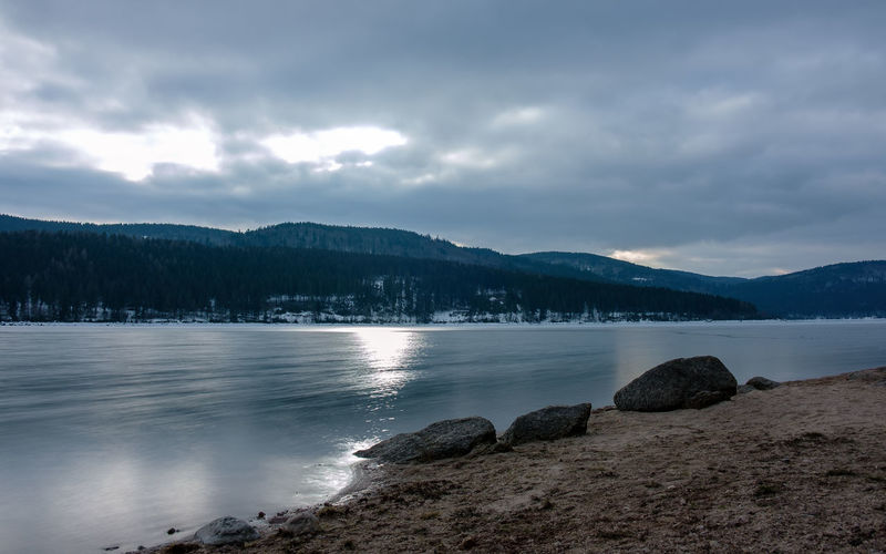 Der Schluchsee im Februar 2019 Baden-Württemberg  Deutschland Fuji Germany Schwarzwald Winter X-t2 Black Forest Sky Cloud - Sky Water Beauty In Nature Mountain Scenics - Nature Tranquility Tranquil Scene Nature Rock Lake Mountain Range No People Rock - Object Idyllic Land Outdoors