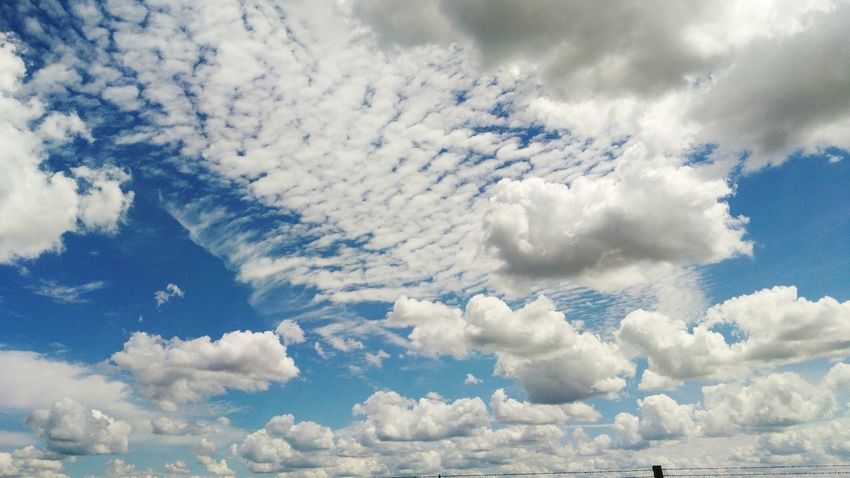 Only added fresh 2 and Enhanced Nature did the rest. Sky Sky And Clouds Skylover Hello World Naturelover Blue Blue Sky