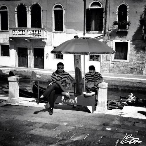 waiting for clients Blackandwhite Venice Streetphoto_bw Venezia