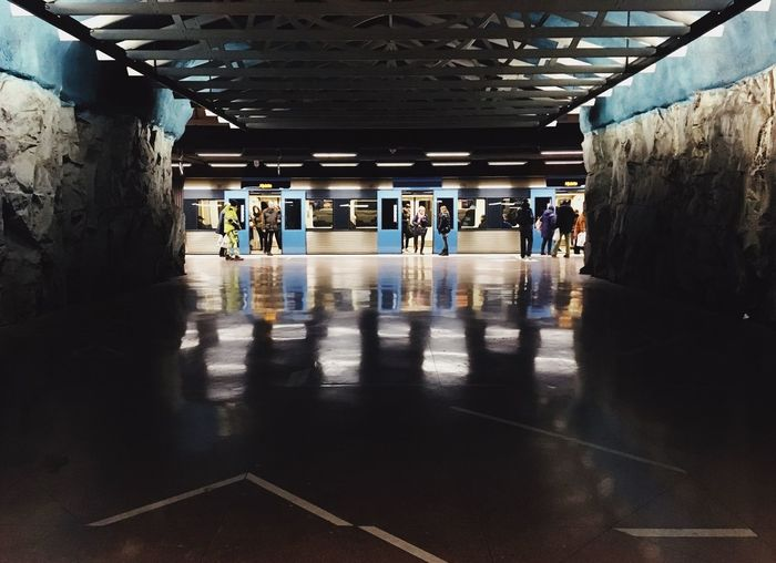 Transportation Architecture Real People Public Transportation Indoors  Group Of People Men Mode Of Transportation Subway Travel Ceiling Rail Transportation Flooring Built Structure Crowd Lifestyles