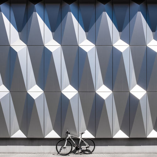 Mywhitebike Mywhitebike Fujix_berlin Ralfpollack_fotografie Minimalism Minimalist Photography  Architecture Built Structure Building Exterior No People Outdoors Bycicle Mode Of Transportation Pattern Transportation Bicycle Design Wall - Building Feature Architectural Feature Shape Land Vehicle