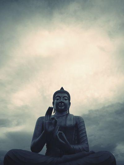 Amnat Chareun, Thailand