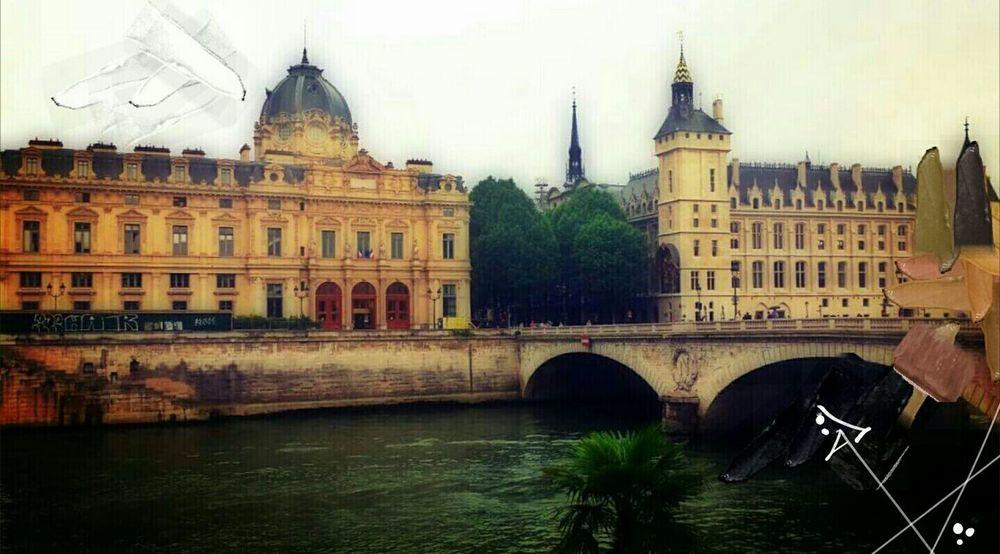 Paris Paris Je T Aime Rainy Days Jour De Pluie Graffiti Drawing Paint La Seine Cityscapes